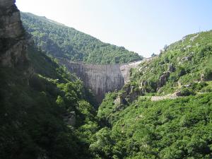 Presa del embalse de La Cohilla (Cantabria)