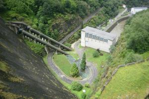 Presa del embalse de Doiras (Asturias)