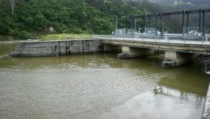 Presa de embalse de Arbón (Asturias)