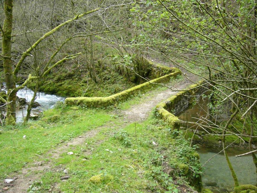 Puente próximo al final de la senda